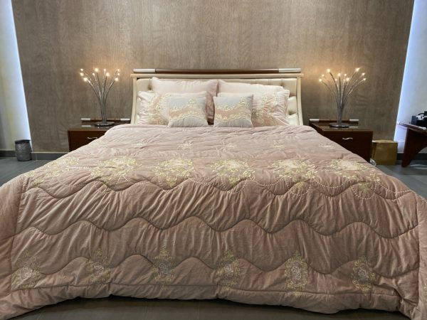 Oyster Royal Bedding Set With Built-It Duvet